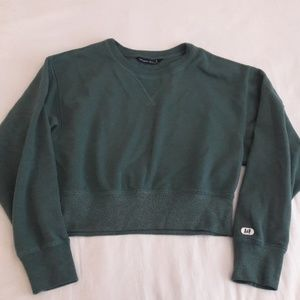 Abercrombie and Fitch Cropped Sweater Size Small